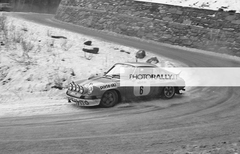 Val d'Aosta 1977 - Cane