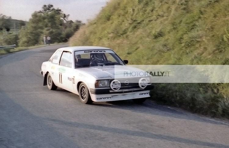 CARROTTA PILOTA RALLY - COLLINE DI ROMAGNA 1981. FOTO DI RALLY ITALIANI E INTERNAZIONALI DEGLI ANNI '80. Scrivici per informazioni info@photorally.it